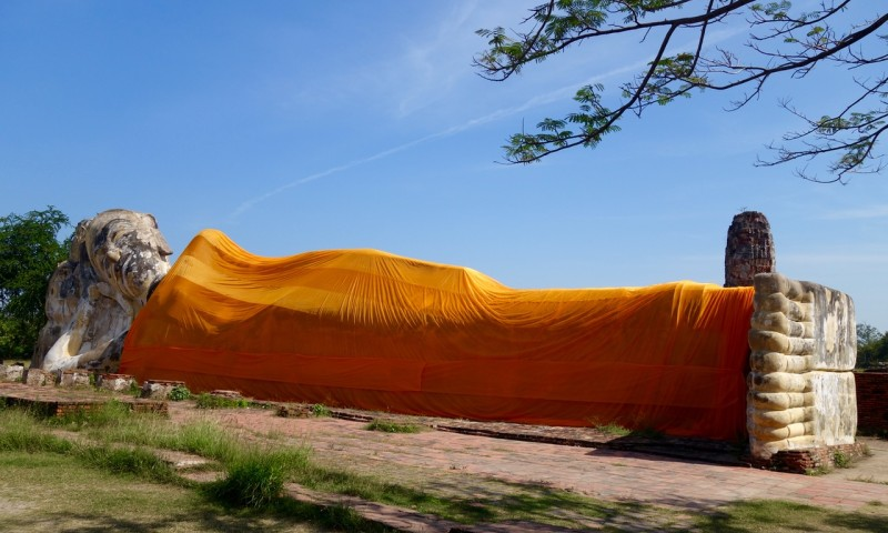 reclining buddha from the front